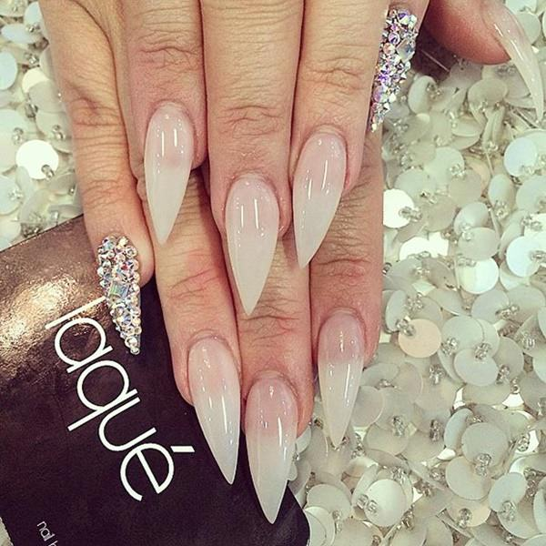 68-unhas-stiletto laquenailbar