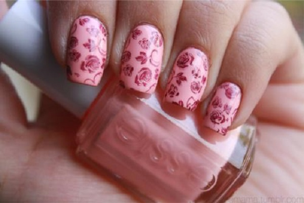 Unhas-decoradas-com-estampas-florais-14