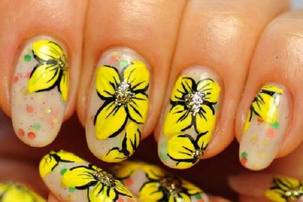 unhas-decoradas-com-flores-desenhos